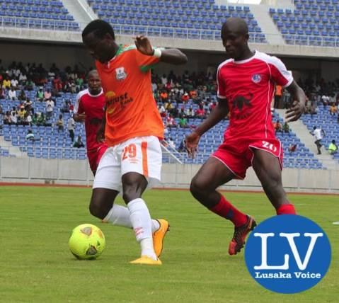 ZESCO Lazarous Kambole running away of Mbabane Mkhweli  - Photo Credit Jean Mandela - Lusakavoice.com