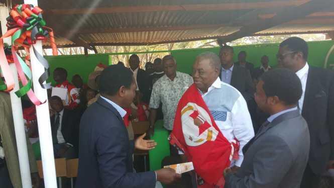 HH greets RB. at the Kulamba Traditional Ceremony at Paramount Chief Kalonga Gawa Undi of the Chewa speaking people of Eastern Zambia, Malawi and Mozambique