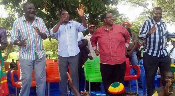 Felix Mutati at a campaign rally with Hakainde HIchilema, Geoffrey Mwamba and Patrick Mucheleka