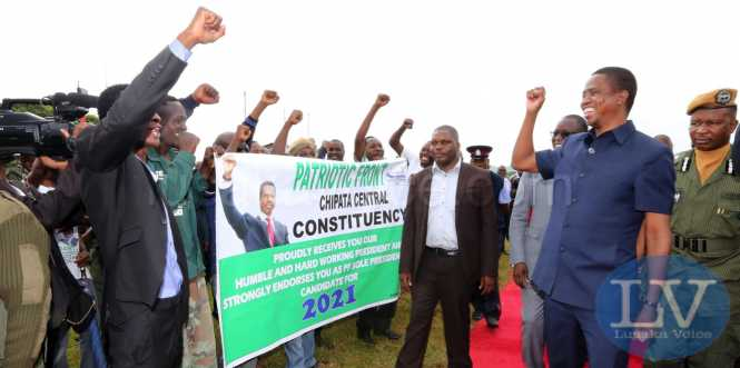 President Lungu at Chipata airport support 9196 + lusakavoice