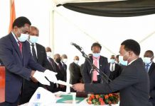 President Hakainde Hichilema receives the affidavit of Oath from Special Assistant to the President for Press and Public Relations Anthony Bwalya at State House on Monday, August 30, 2021 -Pictures by THOMAS NSAMA